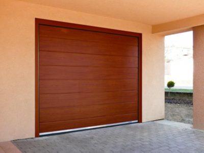 hnědá sekční garážová vrata